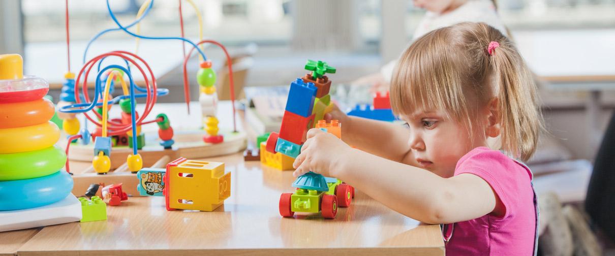 سن مناسب برای فرستادن کودک به مهد کودک چه سنی است؟